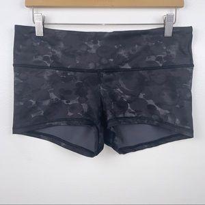 Lululemon Boogie Shorts Black/Dark Gray Size 10